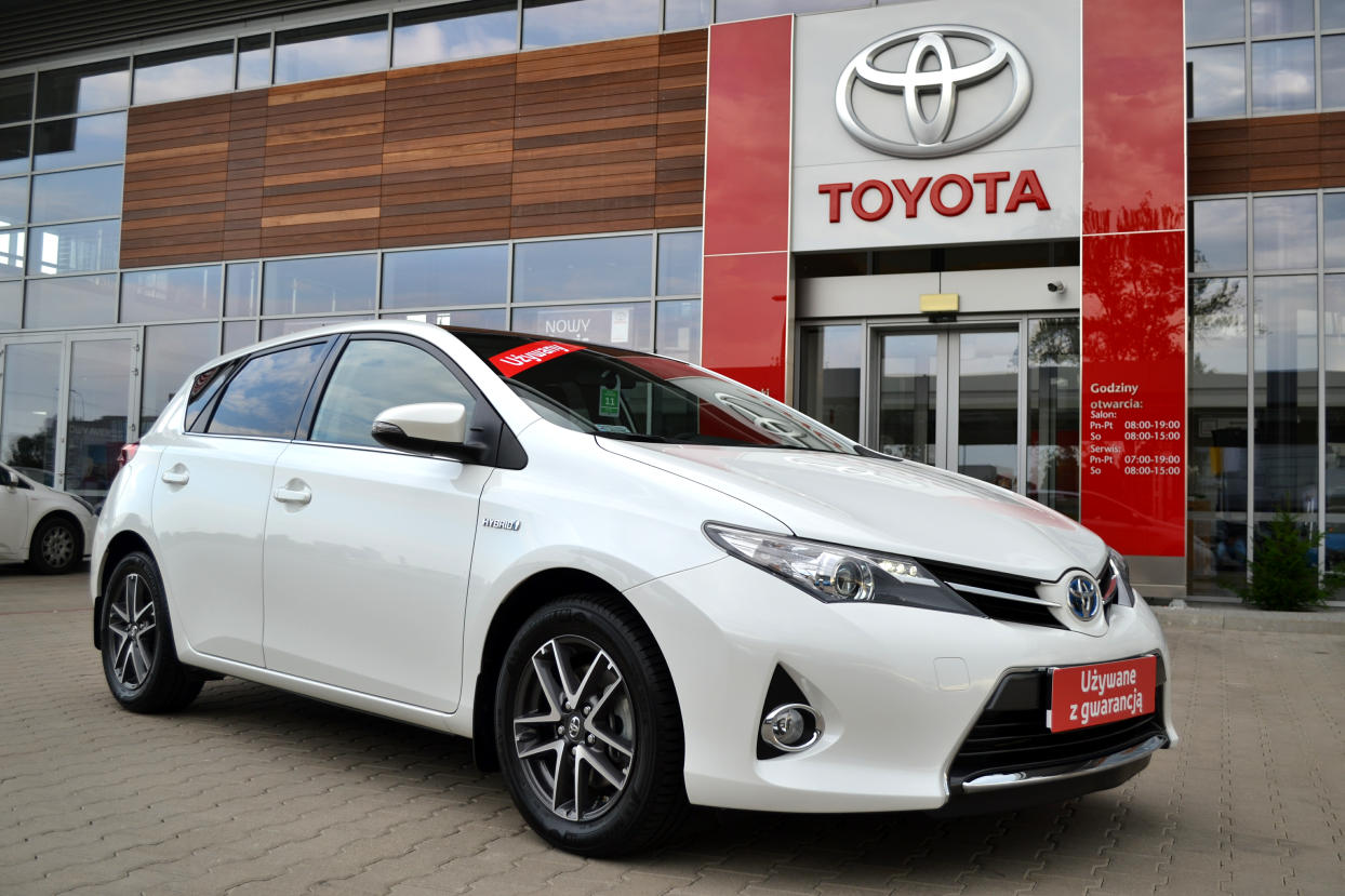 toyota auris hybrid 135 premium skyview nav benzyna 2014. Black Bedroom Furniture Sets. Home Design Ideas