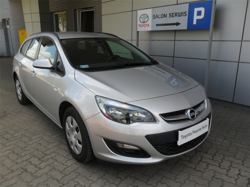 opel astra 1 4 turbo sports tourer lpg benzyna lpg 2014. Black Bedroom Furniture Sets. Home Design Ideas