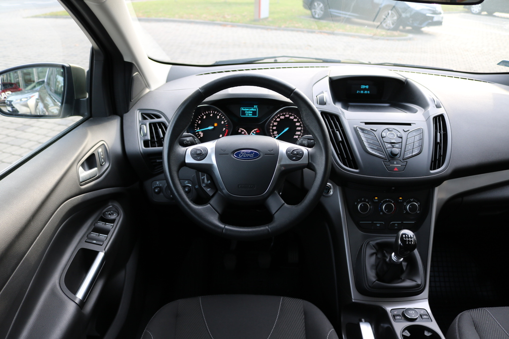 ford kuga 1 5 ecoboost 150 km trend benzyna 2015 r. Black Bedroom Furniture Sets. Home Design Ideas